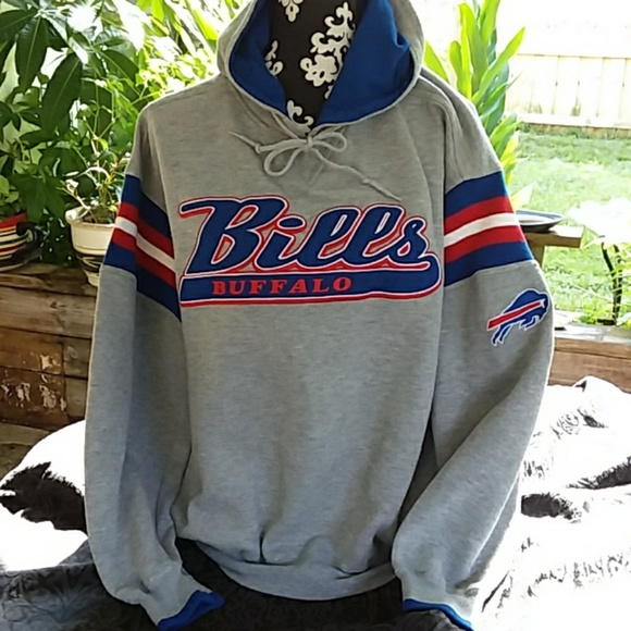 50e7c977 Vintage Buffalo Bills embroidered hoodie pockets